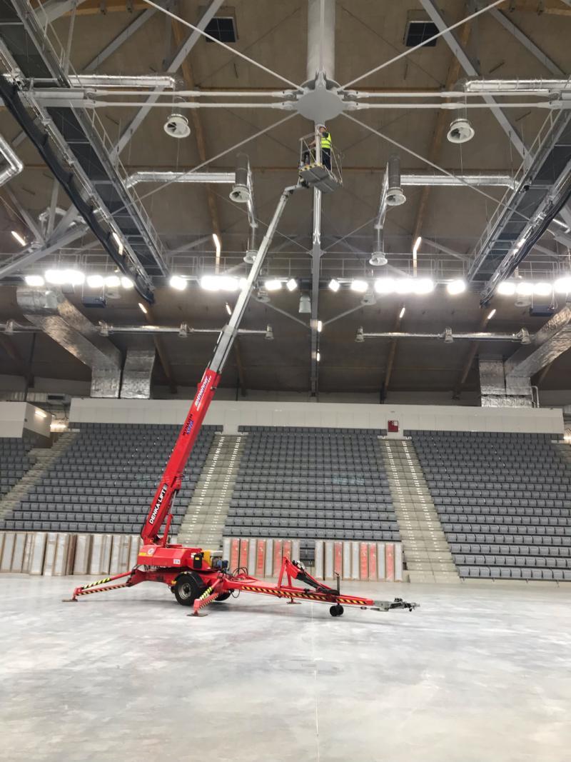 """Inteligentny Dach w hali sportowo-widowiskowej TOSIR """"Jaskółka"""""""