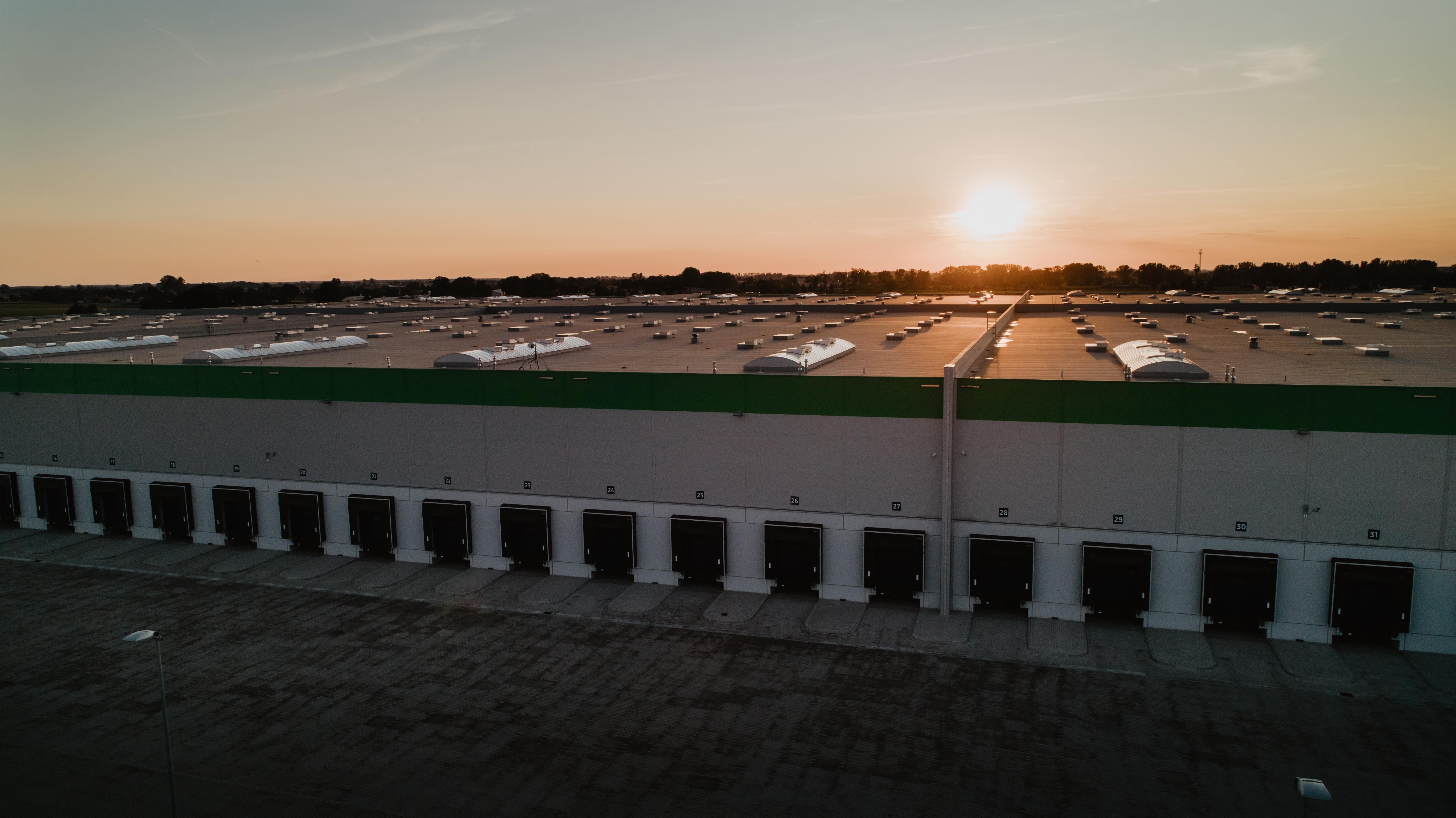 Największe Centrum Logistyczne ma Inteligentny Dach